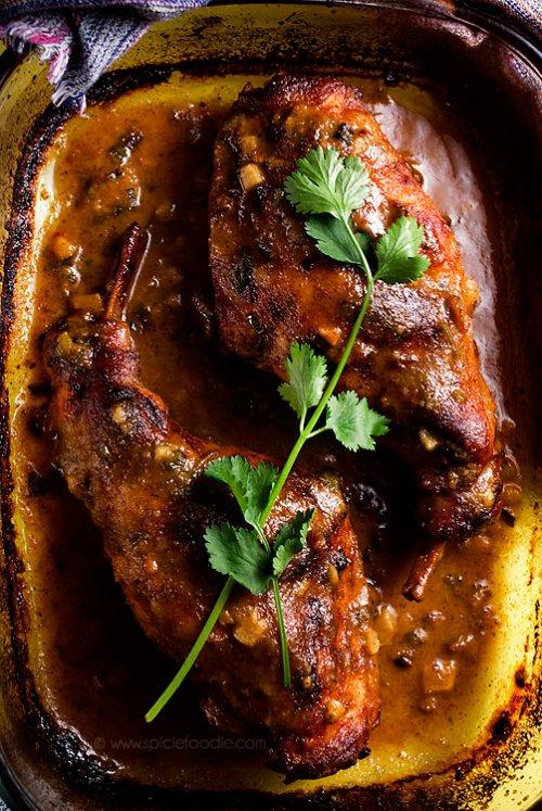 Conejo al ajillo con salsa de miel y mostaza